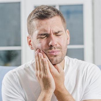 o que causa sensibilidade nos dentes
